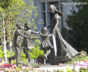 Temple Square - Mother and Children
